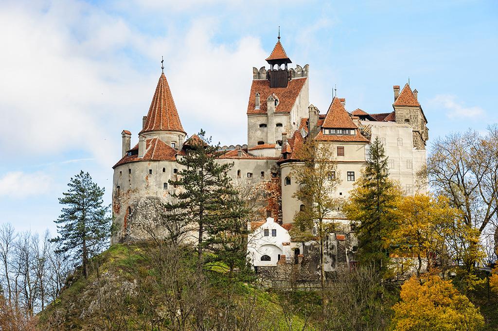 ro-bran-castle-brasov-transylvania-romania.jpg